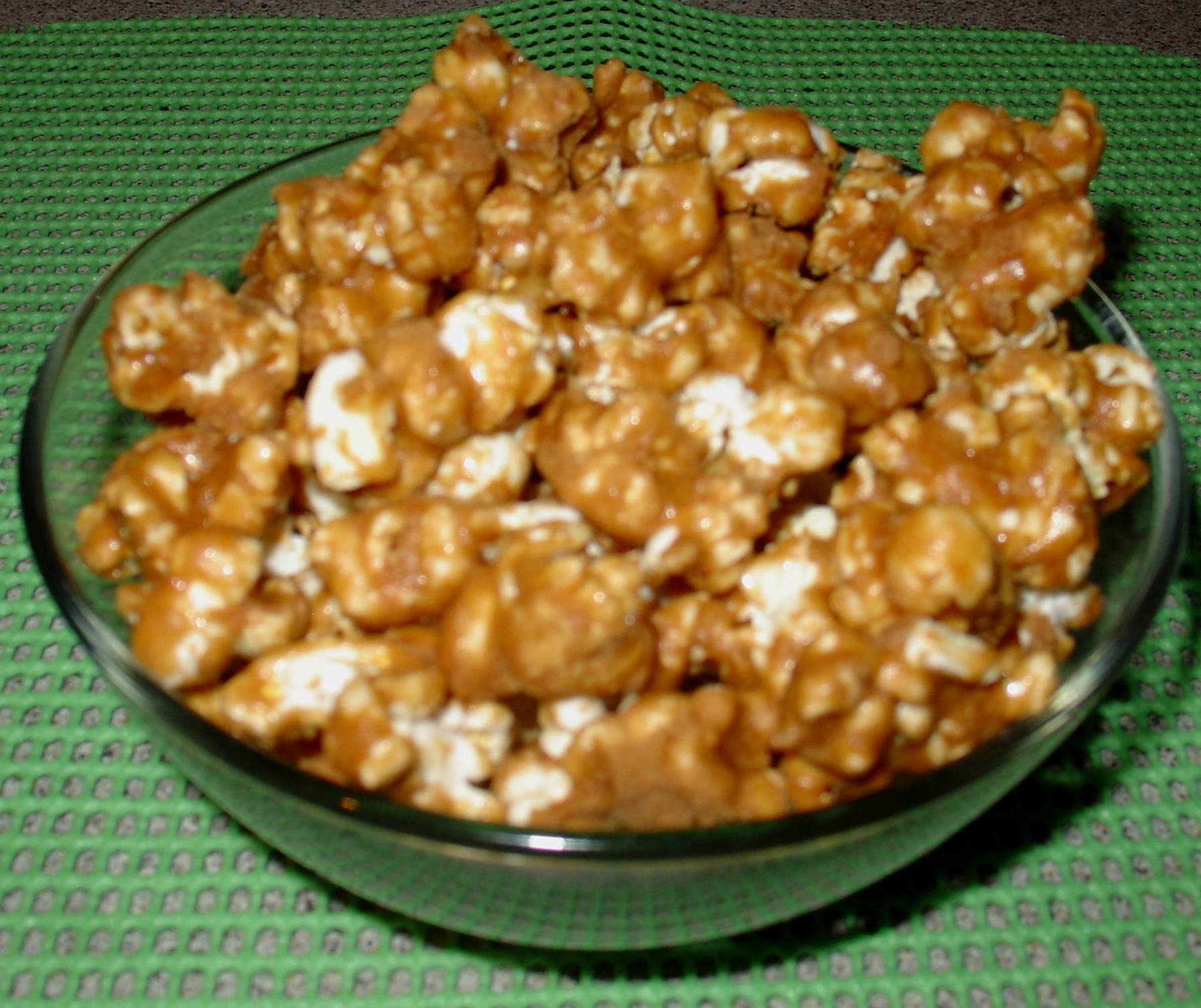 Caramel Corn Recipe | DebbieNet.com