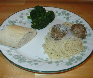 Meatball Dinner with Broccoli