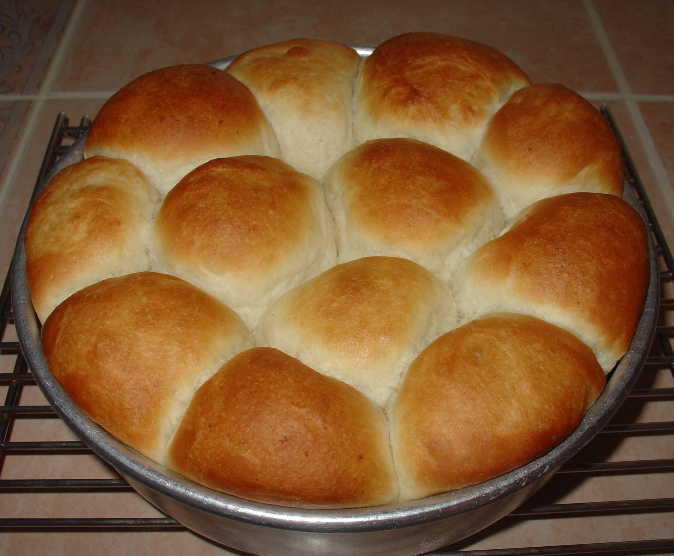 bake dinner rolls bake dinner rolls until golden brown brush