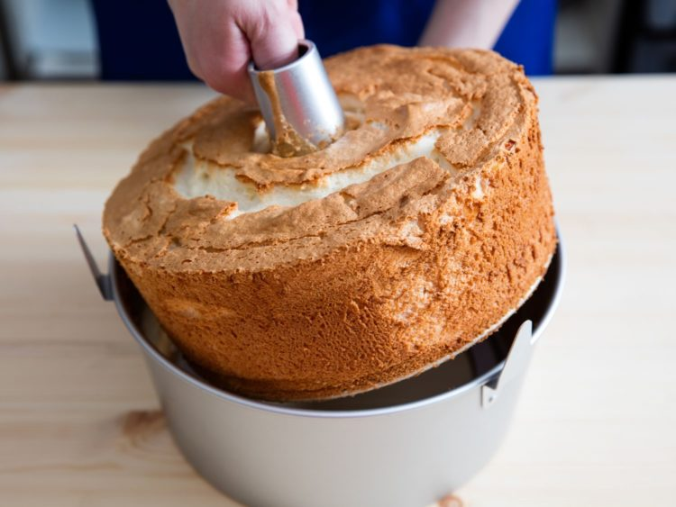 Remove Angel Food Cake from Pan