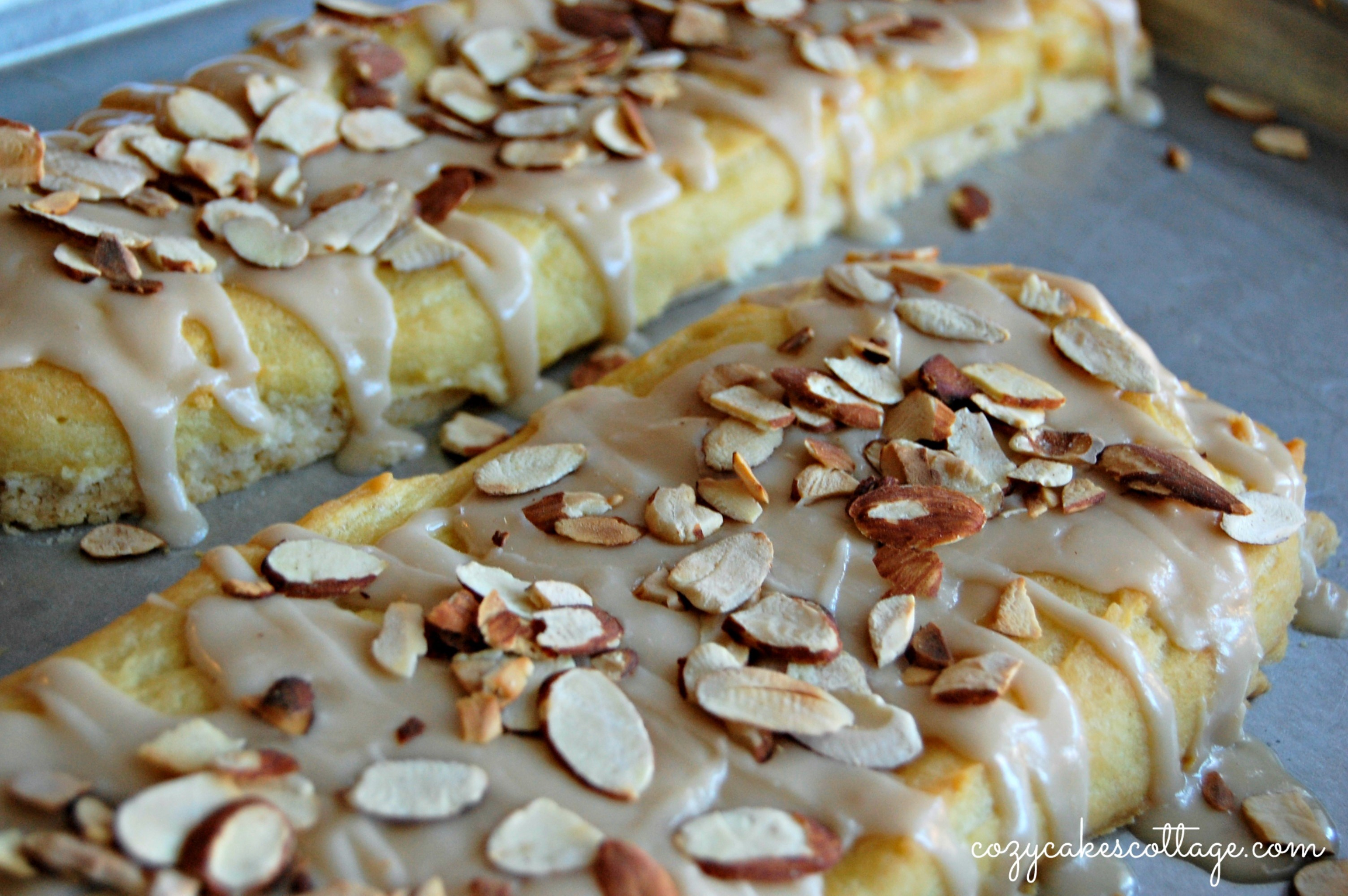Danish Puff Pastry With Sliced Almonds Debbienet Com